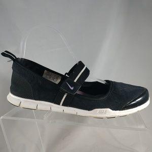 Nike Womens 7 Black White Canvas FLEXIBLE walking